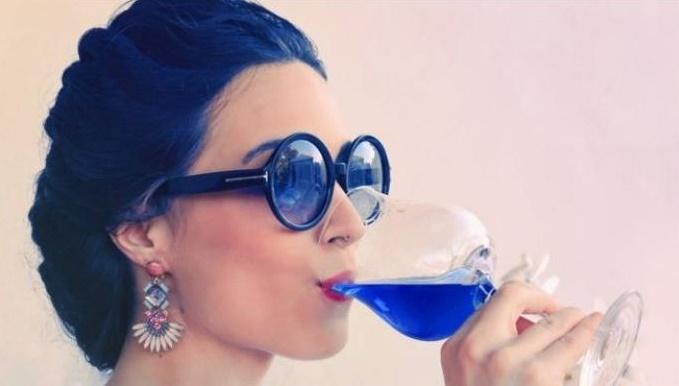 epdc-mundo-161004-bbc-vino-azul1