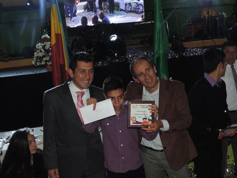 epdc-r-131213-tenjo-deporte